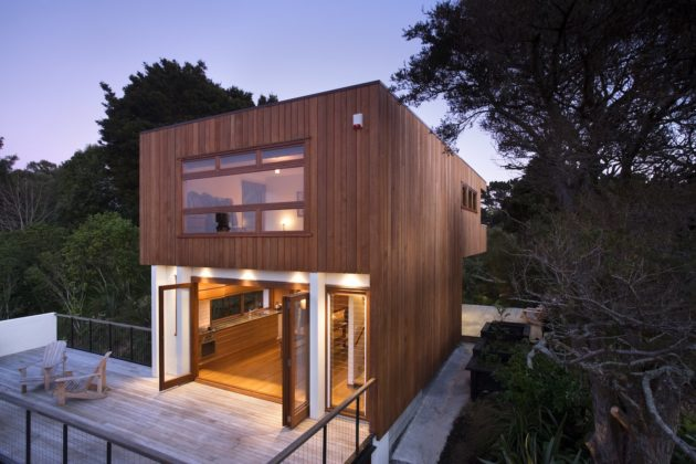 Tree House – Malcolm Taylor and Associates